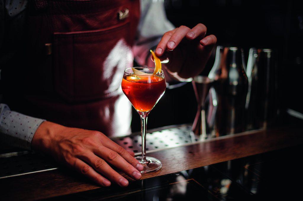 pernod ricard cocktail making